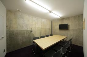[地下1階]:共用会議室