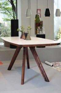 リーフYTテーブル