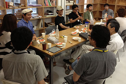 co-lab渋谷アトリエのお茶会風景写真